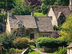 Cottage heaven! (springblossom3) Tags: cottage bibury arlington row nature old cotswolds tourism