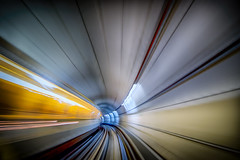 Meeting point (J2MC) Tags: toulouse subway underground metro j2mc pentax color