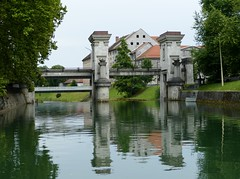 Ljubljanica Sluice Gate (chdphd) Tags: ljubljanicasluicegate ljubljanica sluicegate sluice gate ljubljana slovenia