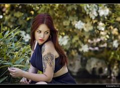 Miriam - 2/4 (Pogdorica) Tags: modelo sesion retrato posado miriam parque tattoo pelirroja chica