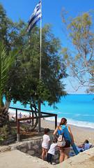 Pefkoulia beach (_tess_) Tags: tess greece lefkada beach people