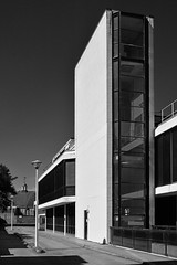 Richmond Magistrates' Court / III (Images George Rex) Tags: london richmond uk tw92rf modernism modernist white concrete glcarchitectsdepartment england photobygeorgerex unitedkingdom britain imagesgeorgerex bw