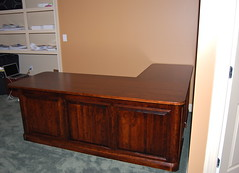 Mortach Executive L-Desk (Brian's Furniture) Tags: pencil cherry keyboard panel desk top style down full flip drawer asbury tray extension outer posts curved sappy thick raised sides lshaped mortach 68long78long 25deep30deep