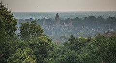 Angkor : Phnom Bakheng, sunset #3 (foto_morgana) Tags: sunset temple asia cambodia ankor siemreap historicalsite lightroom travelexperience