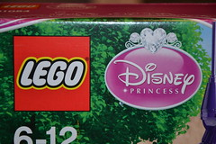 Lego Rapunzel Tower (MissLilieDolly) Tags: raiponce rapunzel disney pascal maximus flynn rider eugne fitzherbert mre gothel mother collection lego tower tour de missliliedolly miss lilie dolly aurelmistinguette