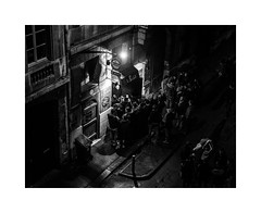 Out the window (SiouXie's) Tags: street city bw night blackwhite fuji noiretblanc rouen normandie 1855 rue normandy nuit ville siouxies fujixe2