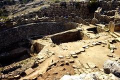 Grce, vacances de Pques 1987. Mycnes, enceinte des tombes (Marie-Hlne Cingal) Tags: 1987 greece grce  hells  diaponumrise