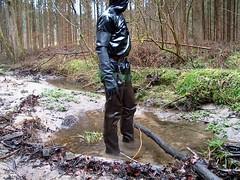 IM003632 (hymerwaders) Tags: mud rubber gloves waders schlamm watstiefel gummihanschuhe