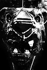 Lion 2 (snarulax) Tags: portrait urban sculpture white black blanco childhood animal playground toy retrato decay negro lion creepy spooky escultura urbano juego len infancia juguete emaciated decadencia demacrada horripilante