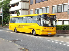 HX05BUJ (47604) Tags: hx05buj 68553 first bus eastleigh yellow student thebestyellow