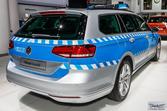 Volkswagen Passat Variant (886482) (Thomas Becker) Tags: volkswagen vw passat variant polizei police kombi iaa2015 iaa 2015 66 internationale automobilausstellung ausstellung motor show mobilitt verbindet frankfurt hessen deutschland germany messe fair exhibition automobil automobile car voiture bil auto fahrzeug vehicle  c copyright thomas becker aviationphoto nikon d800 fx nikkor 2470 f28 geotagged geo:lat=50112013 geo:lon=8643569