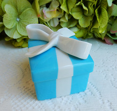 Vintage Tiffany & Co Porcelain Trinket Box Blue White Bow (Donna's Collectables) Tags: vintage tiffany co porcelain trinket box blue white bow