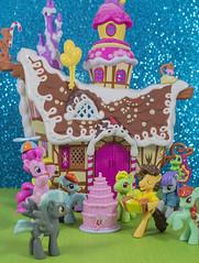 Rainbow Dash birthday party (CptSpeedy) Tags: mylittlepony mlp fim friendshipismagic pinkypie rainbowdash cheesesandwich cake cupcake house gummy colorful ponies pegasus earth sparkle cartoon animated g4 mini minis sony fun celebrate toy