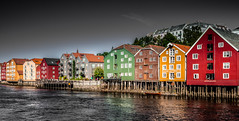 Trondheim (simon_mangold) Tags: gamle bybro nideva simon mangold trondheim kaupangen nidaros trondhjem canon eos 5dsr 2470 70200 1124 lee filters polarizer nd neutral density summer norway norge scandinavia water colors colours scenery