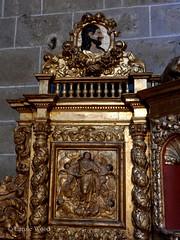 Saint-Hilaire - Abbaye - Eglise (Fontaines de Rome) Tags: aude sainthilaire saint hilaire abbaye eglise retabledelavierge retable vierge assomptiondelavierge assomption