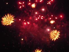 CIEL ROUGEOYANT (marsupilami92) Tags: frankreich france hautsdeseine îledefrance 92 courbevoie becon levallois fêtenationale feudartifice rouge
