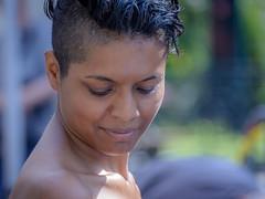 Le temps d'un clic (phil1496) Tags: profondeurdechamp portrait bokeh femme luminosit d7100