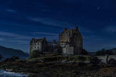 Cazando estrellas escocesas (nurianl) Tags: castillos escocia lago nocturnas