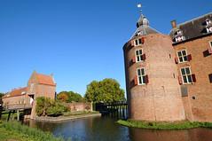 Ammersoyen Castle, The Netherlands (Gerry van Gent) Tags: ammersoyencastle ammersoyenkasteel castle kasteel medieval 14thcentury ammerzoden gelderland topmedievaldutchcastles slot