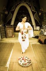 Hare Krishna (OneMarie!) Tags: girl dance harekrishna dancing danza hindi hindu temple templo pray rezar ofrenda gift white