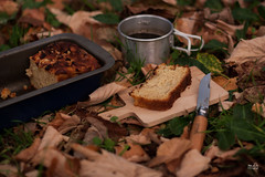 Desayuno en el valle del silencio// Silence valley breakfast (mariaDuB) Tags: autumn apple leaves cake breakfast de manzana pastel otoo desayuno opinel
