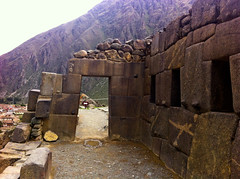 "Porte du soleil _ Ollantaytambo • <a style=""font-size:0.8em;"" href=""http://www.flickr.com/photos/113766675@N07/15596350083/"" target=""_blank"">View on Flickr</a>"