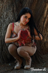 Monse 0217 (Pancho S) Tags: girls cute girl beauty model chica heart amor models modelos modelo chicas corazn amistad belleza bellezas modle modello dadesanvalentn thevalentinesday dadelamoryamistad