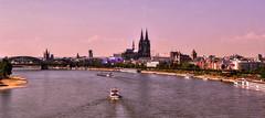 Köln ...über dem Rhein (Schneeglöckchen-Photographie) Tags: city river ship cologne köln stadt fluss rhein schiff