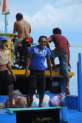 Boat to the Togian Islands (-AX-) Tags: indonesia bateau personnes ampana deathvomit sulawesitengahcentralsulawesi