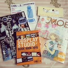 ไปรับเล่มซ้าย เจอเล่มขวาเล่มสุดท้ายอย่างพรหมลิขิต ดีใจจนออกนอกหน้า เลิฟผลงานจารย์จิกะมากๆ #cosplay #cosmode #cosplaymode #studio #magazine #moe #羽海野チカ #3月のライオン