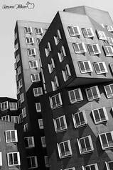 Düsseldorf (meepeachii) Tags: bw architecture germany gehry architektur düsseldorf gebäude