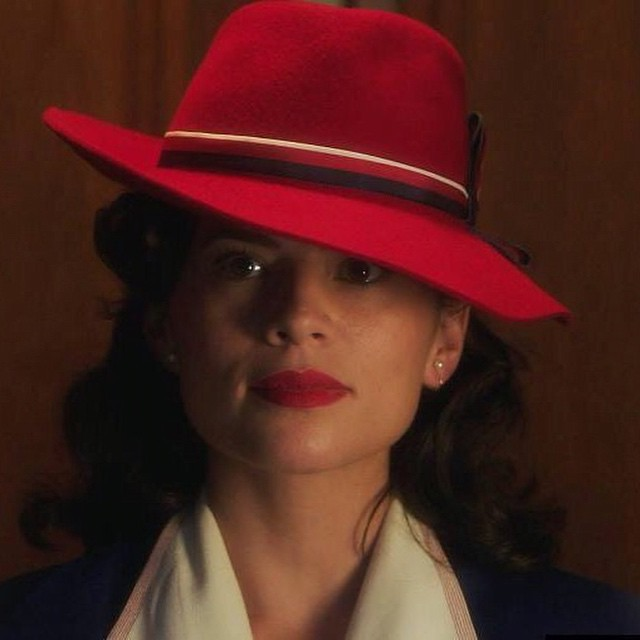 I love @agent_carter @realhayleyatwell great show #AgentCarter #PeggyCarter