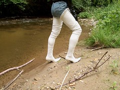 IM005469 (hymerwaders) Tags: white wet boots thigh overknee pvc nass stiefel weis