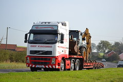 Volvo FH 'East Yorkshire Machinary' reg PX56 BSZ (erfmike51) Tags: lorry artic stepframe volvofh