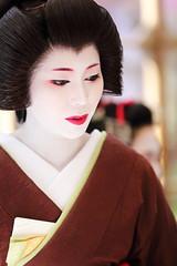 Geiko (Teruhide Tomori) Tags: portrait woman girl beauty festival japan lady kyoto maiko geiko geisha   kimono tradition   kitanotenmangu baikasai ef70200mmf28l     canoneos5dmark