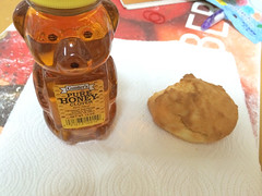 0127 Biscuit and Honey (mari-ten) Tags: food home japan breakfast tokyo biscuit honey   kita kanto akabane eastasia 2014 honeybear americanfood     201407 casacarina  20140709