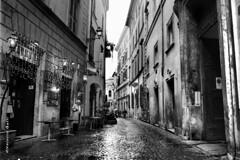 Roma (ValerioGalli) Tags: street bw italy white black rome roma film rollei 35mm strada italia noir centro 400 rua rue bianco blanc yashica nero reportage pellicola rullino rpx