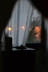 oscurece, casa. (Esperanza L) Tags: light color home room indoor ninght