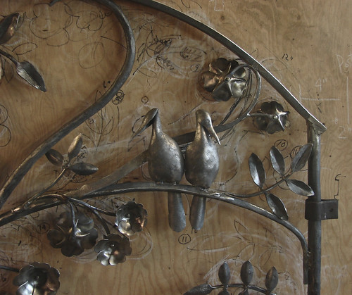 """Fox & Rose Gate bird detail • <a style=""""font-size:0.8em;"""" href=""""http://www.flickr.com/photos/35386275@N08/16704743111/"""" target=""""_blank"""">View on Flickr</a>"""