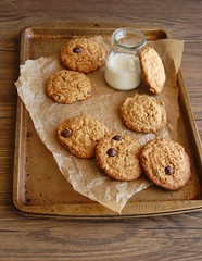Oatmeal dulce de leche choc chip cookies / Cookies de aveia, doce de leite e gotinhas de chocolate (Patricia Scarpin) Tags: cookies oatmeal oats martha chocolatechips chocolatechipcookies dulcedeleche