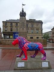 Mystique (Bricheno) Tags: sculpture scotland lion escocia cenotaph paisley warmemorial szkocja mystique schottland scozia cosse  esccia paisleycross   bricheno scoia prideofpaisley