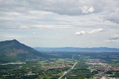 La val di Susa. (sinetempore) Tags: paesaggio landscape valdisusa sacradisanmichele montagne mountains nuvole clouds cielo sky