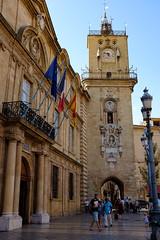Aix en Provence - Hotel de ville (KristHelheim) Tags: aixenprovence mairie hoteldeville streetphotography tourisme france provence bouchesdurhone beffroi flags place rue fujifilmx100t fujix100t fujifilm fuji x100t