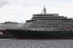 Queen Elizabeth (samkiller42) Tags: southampton docks harbour townquay cunard queenelizabeth