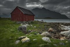 Lofoten (Jose Cantorna) Tags: urda lofoten noruega norway cabaña cielo nubes nikon d610 piedras