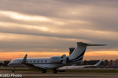 N100ES G650 (KSBD Photo) Tags: airport bur burbank bobhope gulfstream kbur g650 n100es glf6
