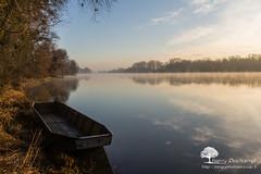 La Barque (photosenvrac) Tags: centre paysage loire brume fleuve thierryduchamp