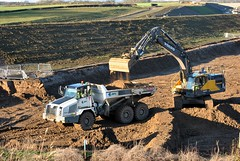 Volvo EC380El & TEREX TA300 Daviot Farms Ltd (Scotty2681) Tags: volvo farms ltd terex daviot ta300 ec380el