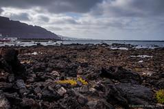 Ms all del horizonte (SantiMB.Photos) Tags: summer espaa port geotagged puerto rocks lanzarote canarias verano esp rocas orzola 2tumblr sal18250 rzola 2blogger vacaciones2014 geo:lat=2922283680 geo:lon=1345005244