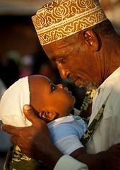 414580466056488 (allyjacox7742) Tags: africa people baby brown love kid kenya father culture east bebe tradition lamu swahili lafforgue